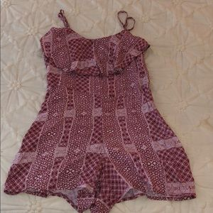 Abercrombie & Fitch red and white patterned romper